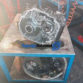 تعمیر موتور دنا پلاس در اقای اتومات